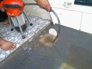 cucian piring selokan pipa mampet