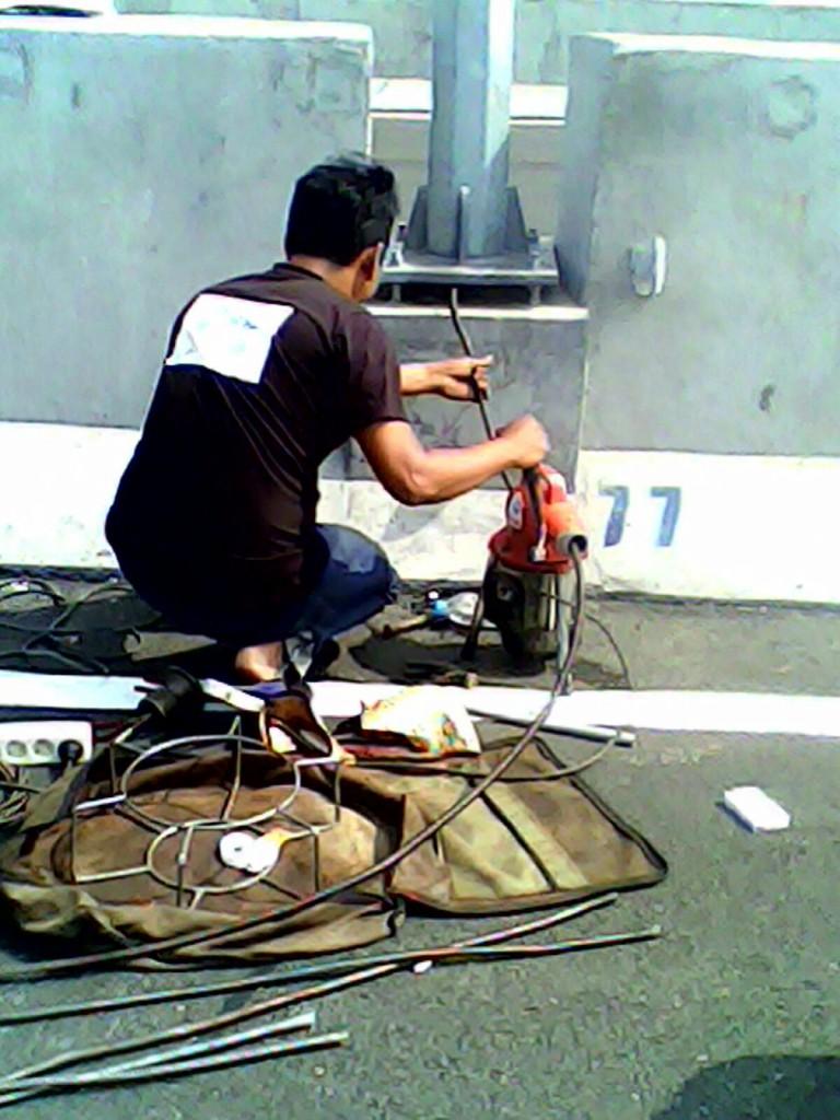 pipa mampet pada jalan tol berhasil dieksekusi tim renorooter