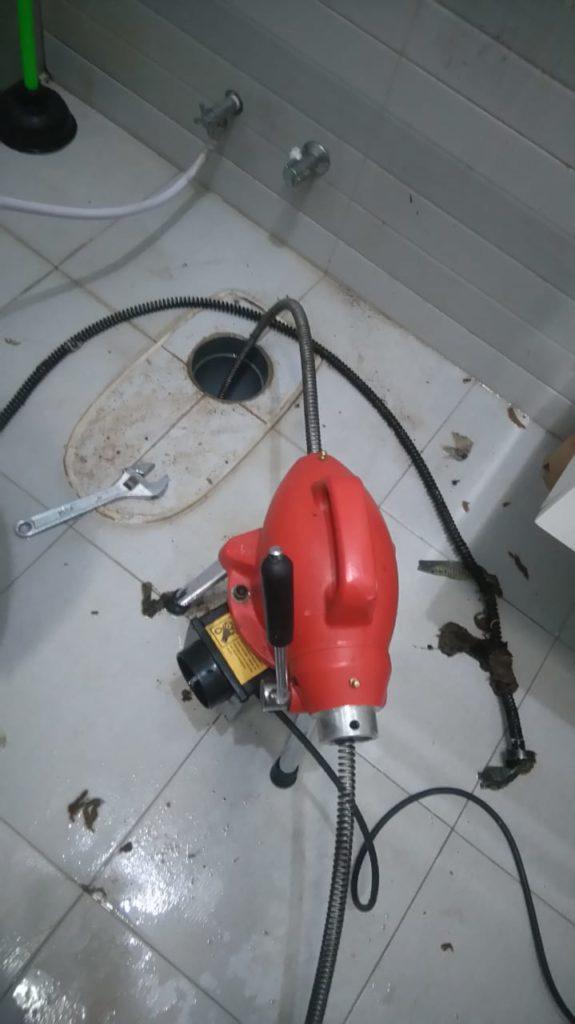 Solusi pipa mampet plumbing tersumbat